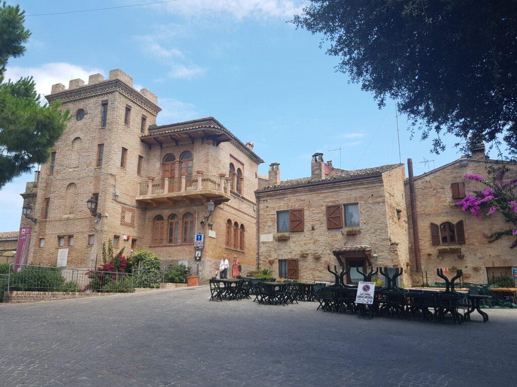 Palazzo Priorale, Torre di Palme