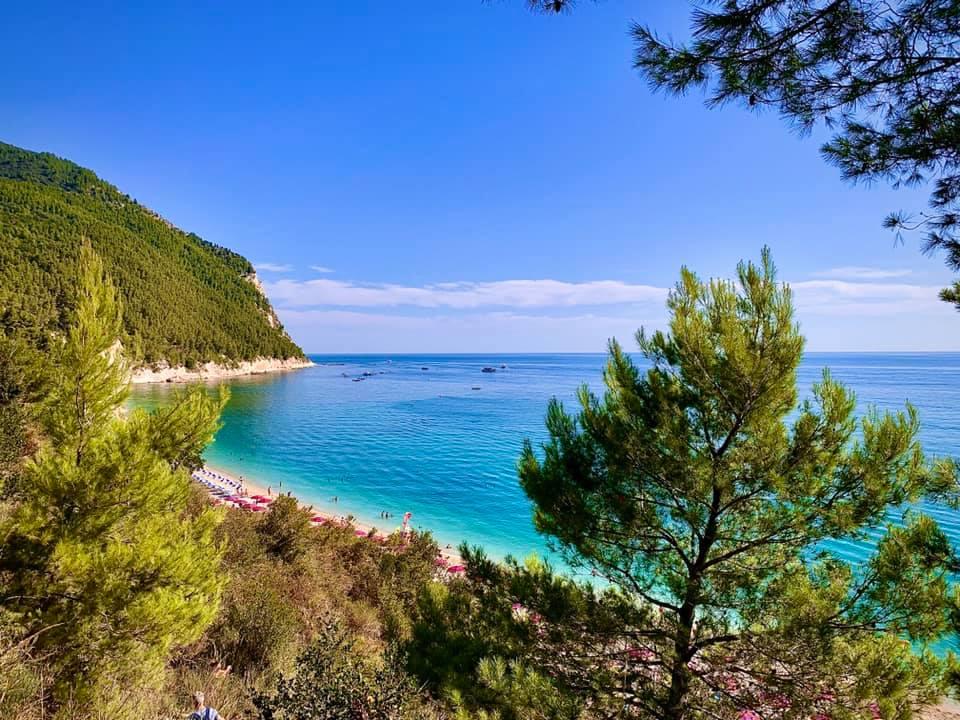 Sassi Neri Beach, Sirolo